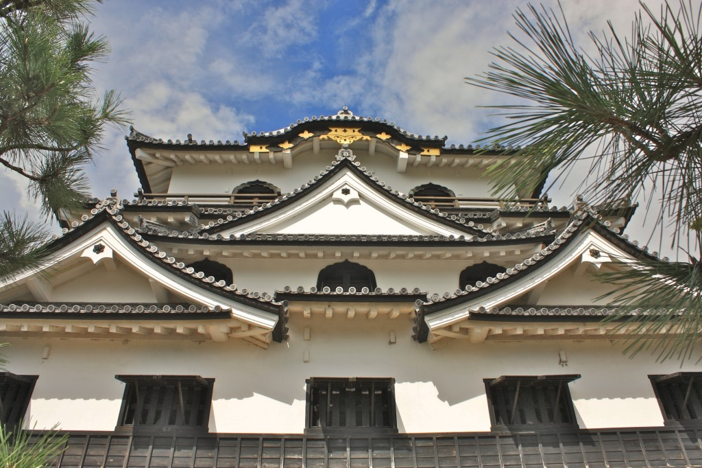 Hikone Castle: Bastion of the Li Samurai Warriors!